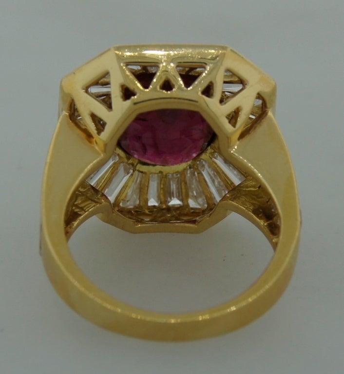 VAN CLEEF & ARPELS 5.66-ct Burmese Ruby Diamond Gold Ring For Sale 1