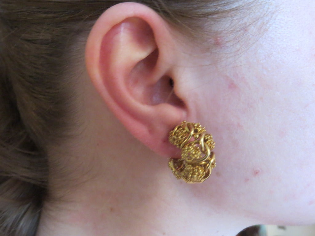 1970s Tiffany & Co Gold Hoop Earrings In Excellent Condition For Sale In Lahaska, PA