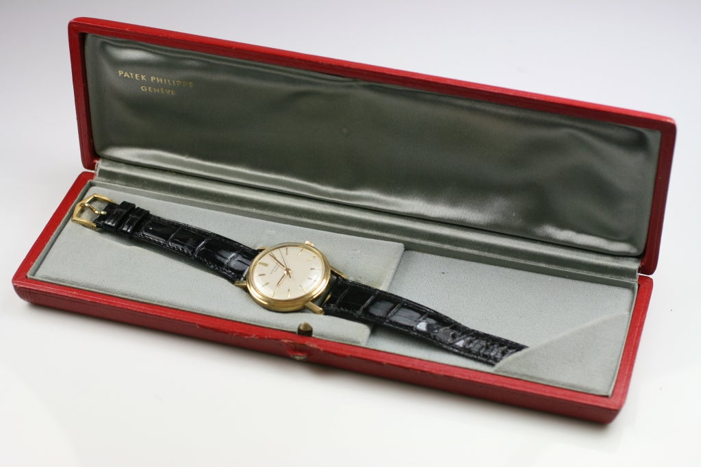 Patek Philippe, Genève Calatrava Ref 3423 on a Patek Philippe strap and 18k buckle. Comes with Patek Philippe box. Circa 1960's