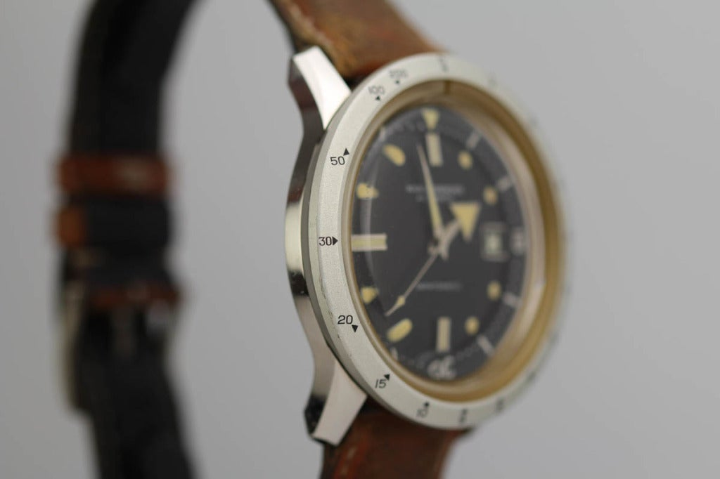 Nivada Grenchen Stainless Steel Dephtomatic Diver's Wristwatch circa 1960s In Excellent Condition In Miami Beach, FL