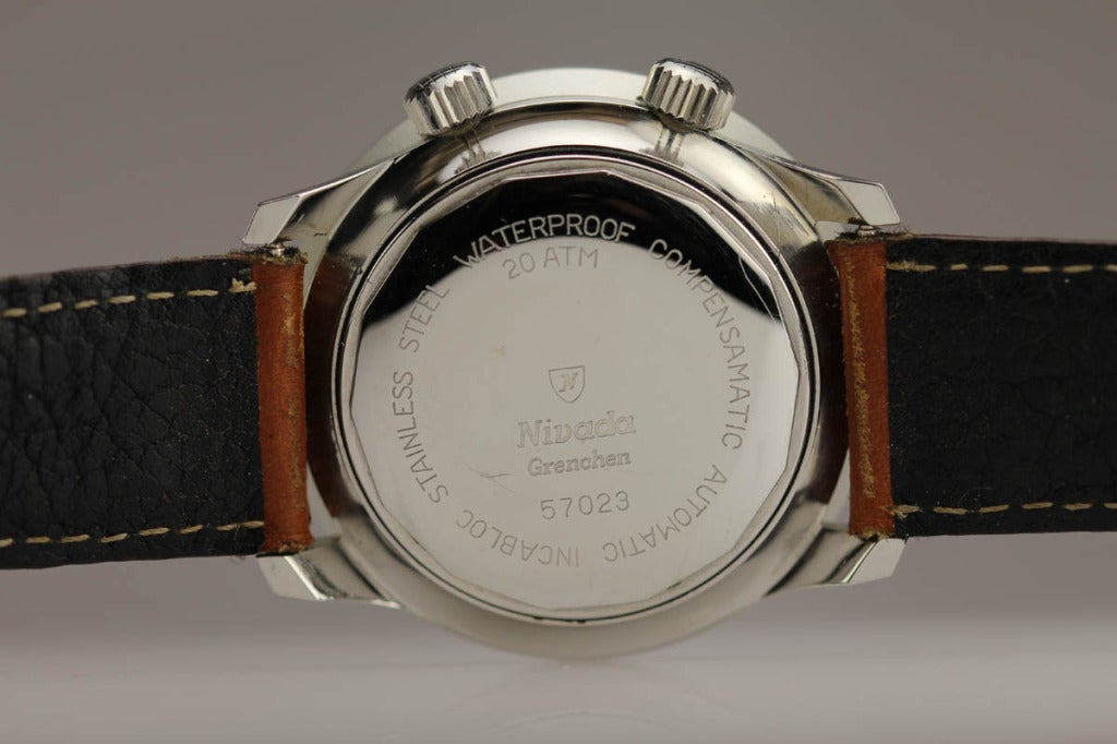 Men's Nivada Grenchen Stainless Steel Dephtomatic Diver's Wristwatch circa 1960s