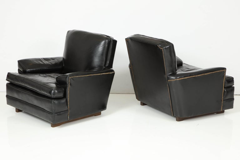Mid-Century Modern Pair of Club Chairs Attributed to Sam Marx For Sale
