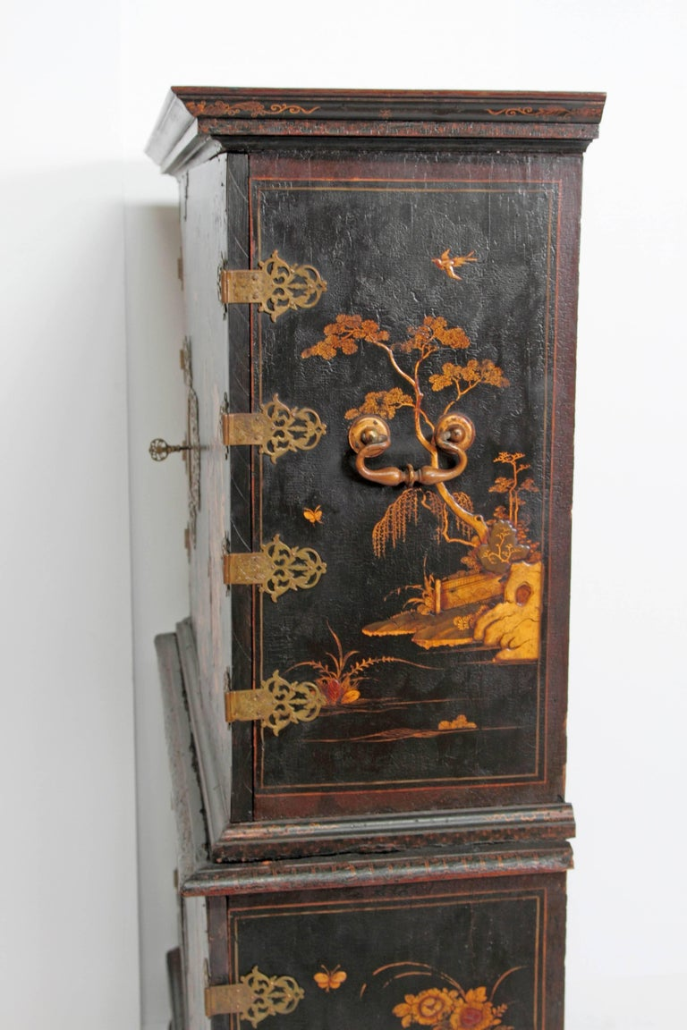 Queen Anne Collectors Cabinet / Japanned For Sale 3
