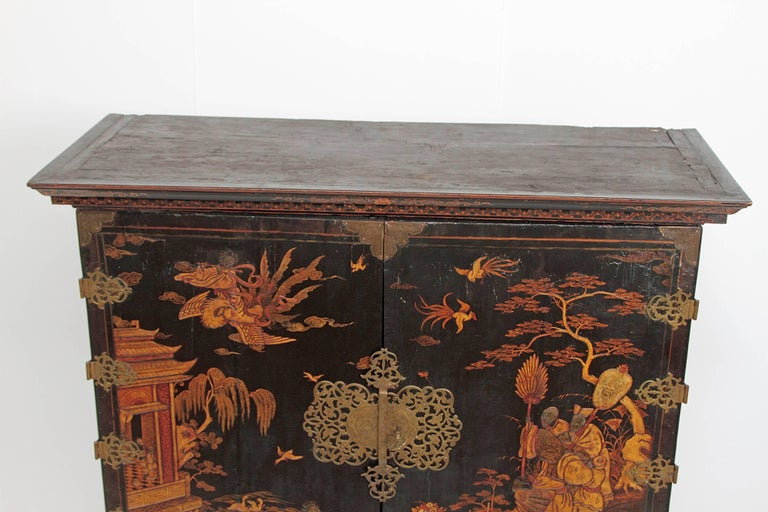 Queen Anne Collectors Cabinet / Japanned For Sale 9