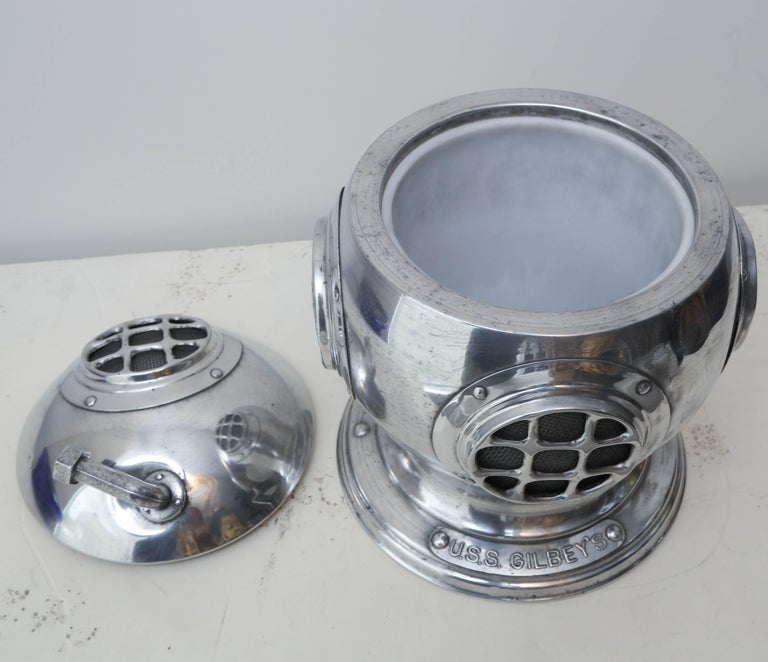 Vintage Diver's Helmet Ice Bucket In Good Condition For Sale In West Palm Beach, FL