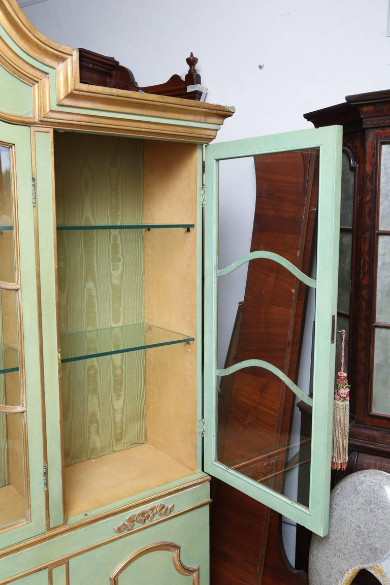 Superb 1950s Italian Baroque Style Parcel Gilt Green Painted Cabinet For Sale 5