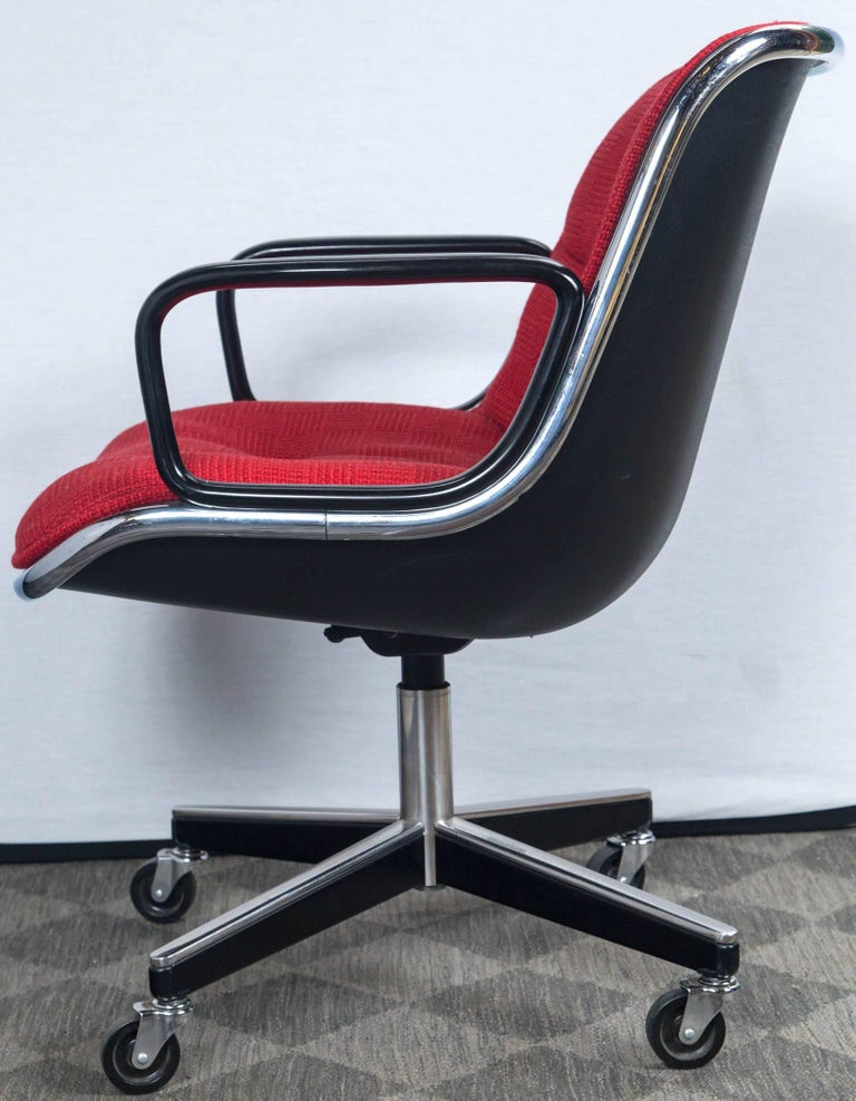 Late 20th Century Pair of Pollock Desk Chairs by Knoll For Sale