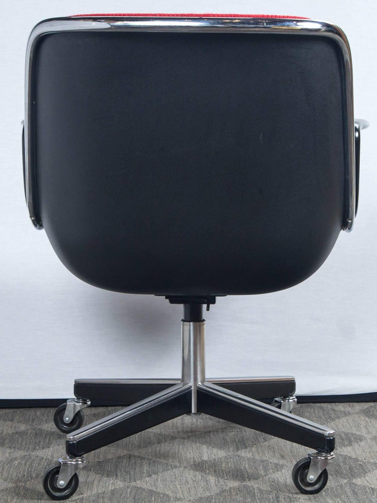 Pair of Pollock Desk Chairs by Knoll For Sale 2
