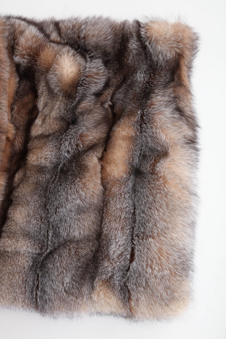 Contemporary Fox Throw Offered by Area ID For Sale