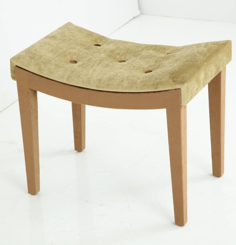 Art Deco bench fully clad in pale copper silk velvet with quince velvet tufted seat.