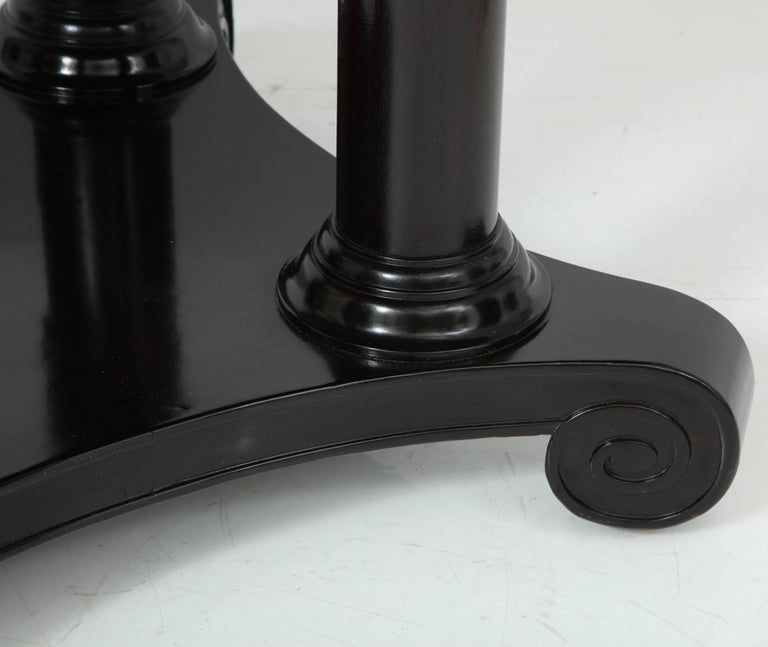 French Column Base Center Table In Good Condition For Sale In New York, NY