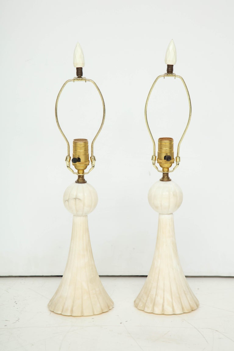 Polished Pair of 1940s Italian Alabaster Table Lamps For Sale