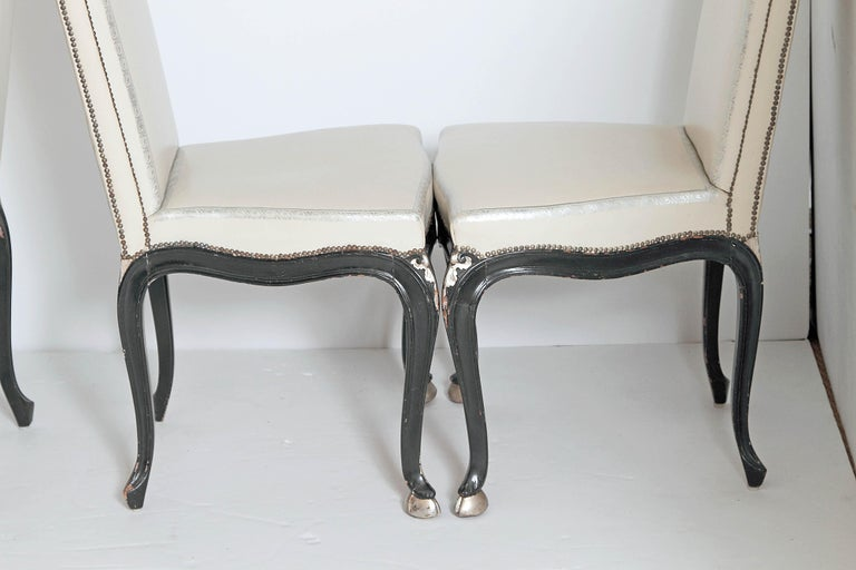 Louis XV Style Set of 12 Dining Chairs In Good Condition For Sale In Dallas, TX