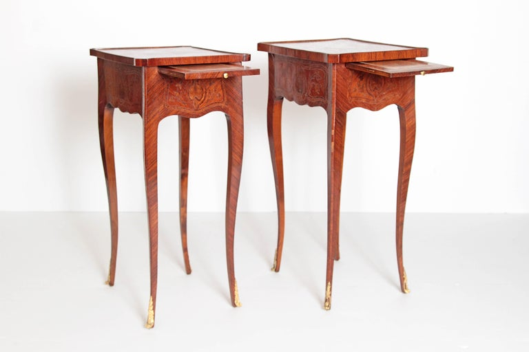 Fruitwood Pair of Petite Louis XV Transitional-Style Side Tables For Sale