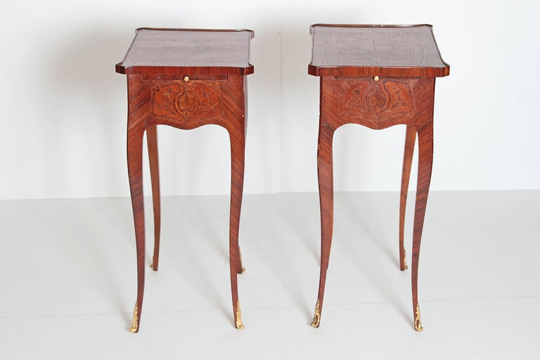 Pair of Petite Louis XV Transitional-Style Side Tables For Sale 2