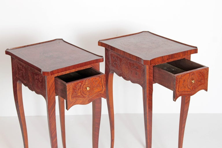Pair of Petite Louis XV Transitional-Style Side Tables For Sale 4