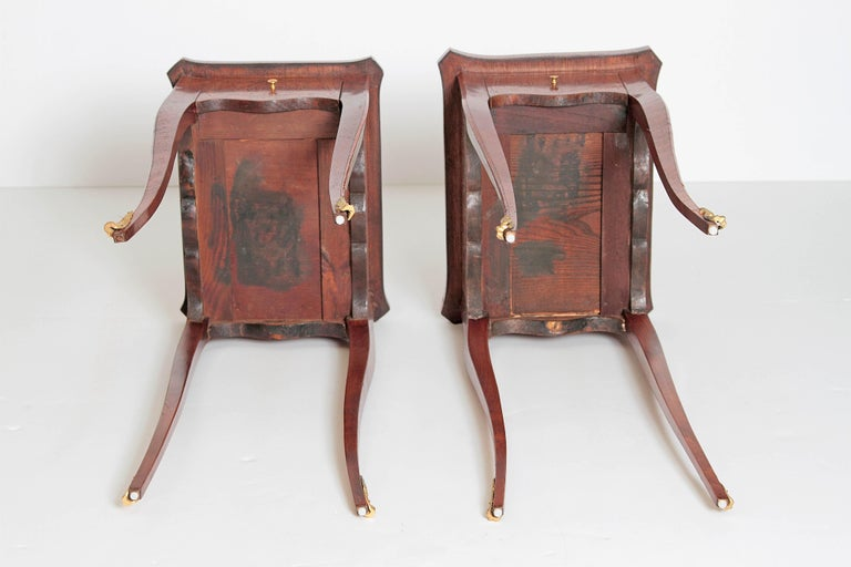 Pair of Petite Louis XV Transitional-Style Side Tables For Sale 5