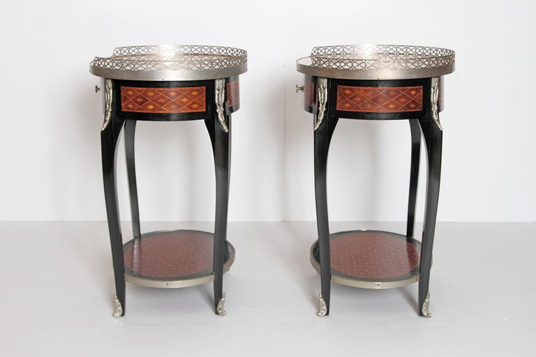 Pair of Louis XVI-Style Guéridons with Silver Gilt Bronze Mounts In Good Condition For Sale In Dallas, TX