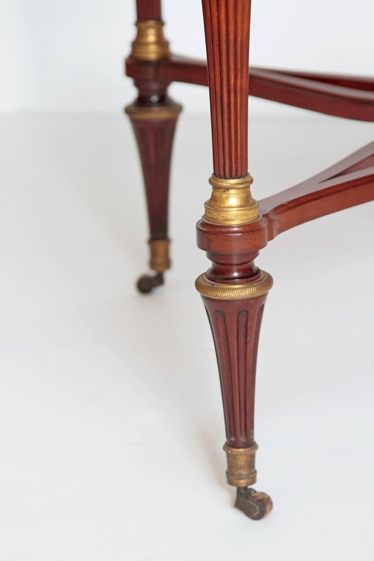 19th Century Russian Neoclassical Centre Table with Burled Walnut Top For Sale 4