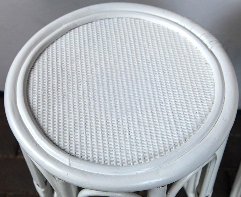 Pair of Cylindrical White Painted Rattan Side Tables In Good Condition For Sale In Stamford, CT