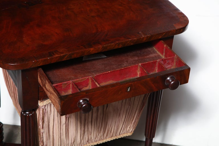 Federal Mahogany Worktable In Good Condition For Sale In New York, NY
