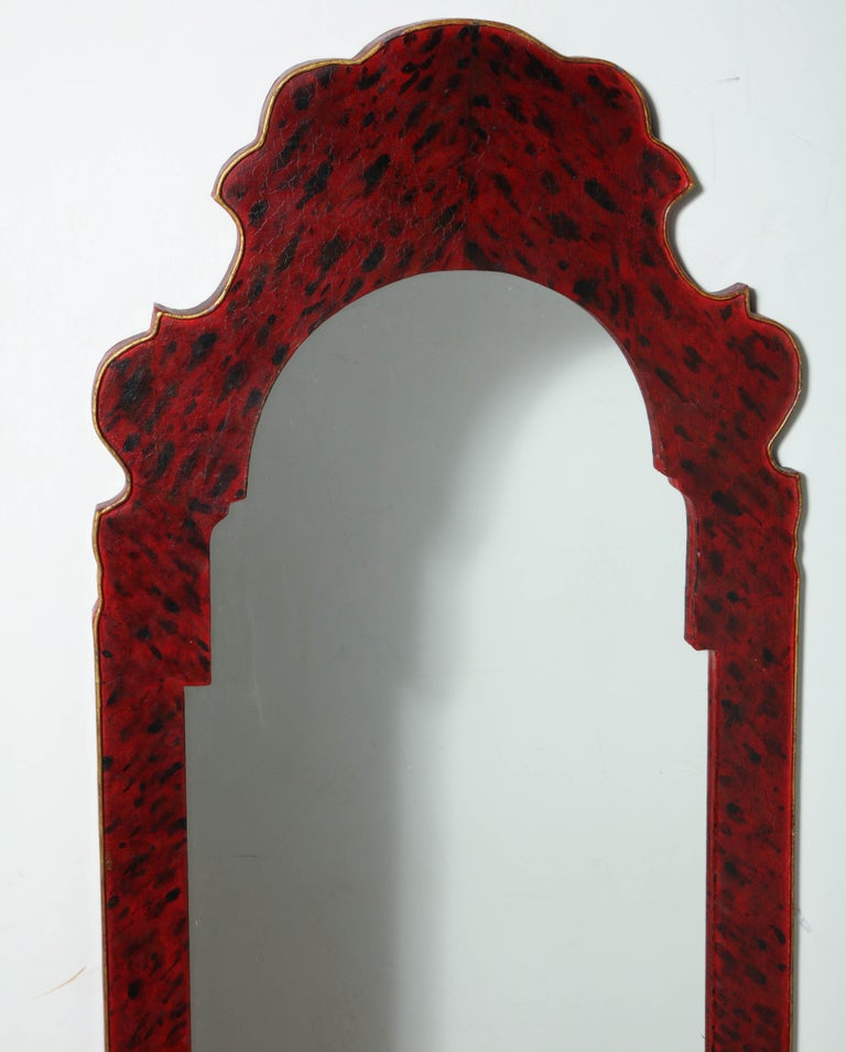 Pair of Queen Anne Style Mirrors In Good Condition For Sale In New York, NY