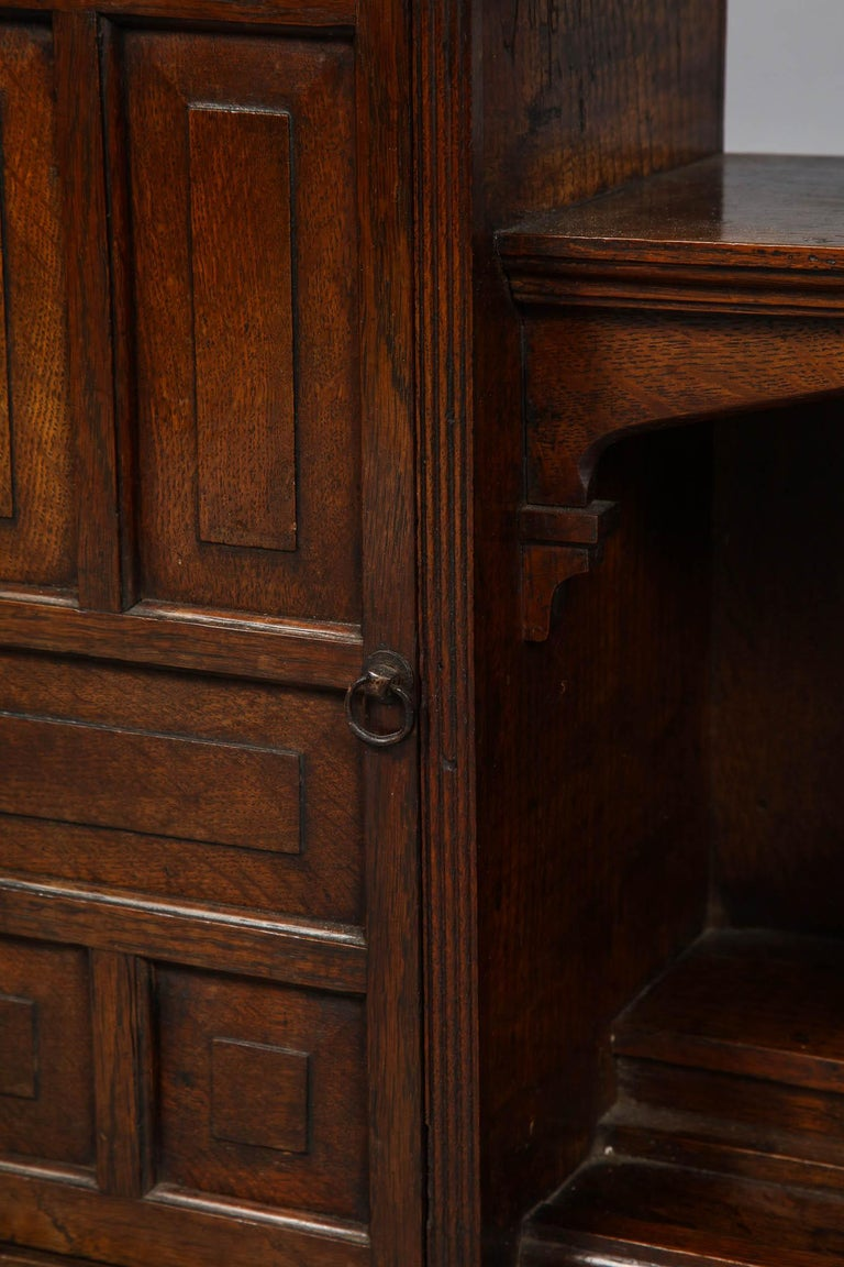 Edwardian Oak Hanging or Desk Cabinet In Good Condition For Sale In New York, NY