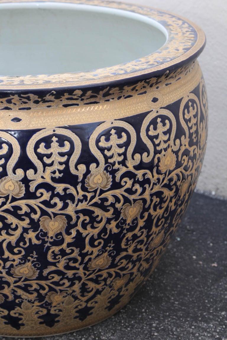 Asian Pair of French Export Fish Bowl Planter 24-Karat Gold Gilt & Navy Blue Elegant For Sale