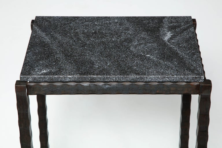 Mid-Century Modern Dazzling Granite Side Table in Hammered Steel Frame For Sale