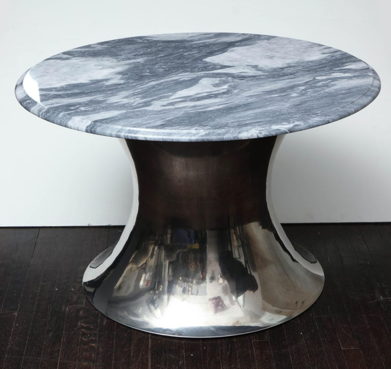 Cloud Gray Marble Coffee Table with Olpe Stainless Steel Base In Excellent Condition For Sale In New York, NY
