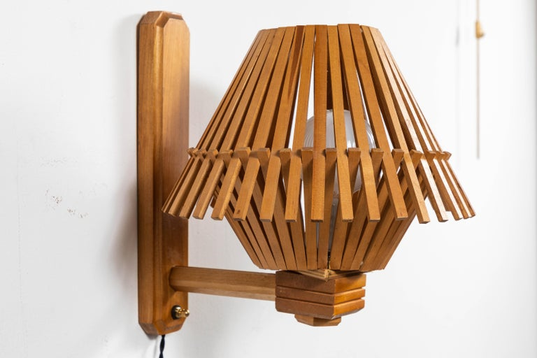 French Pair of a Angled Wood Slatted Sconces For Sale 2