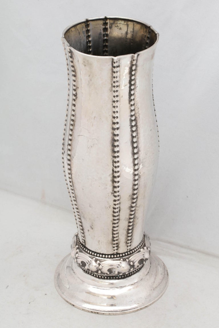 Art Deco Continental Silver '.830' Vase by David Andersen In Good Condition For Sale In New York, NY