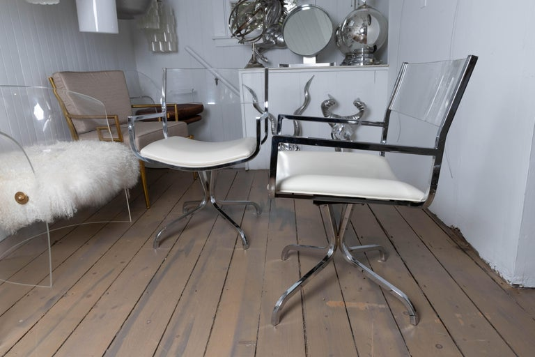Mid-Century Modern Chrome Swivel Armchair with Lucite Back and Upholstered Leather Seat For Sale