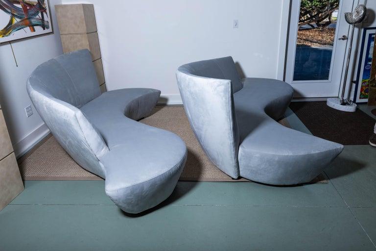 American Pair of Vladimir Kagan Bilbao Serpentine Sofas For Sale