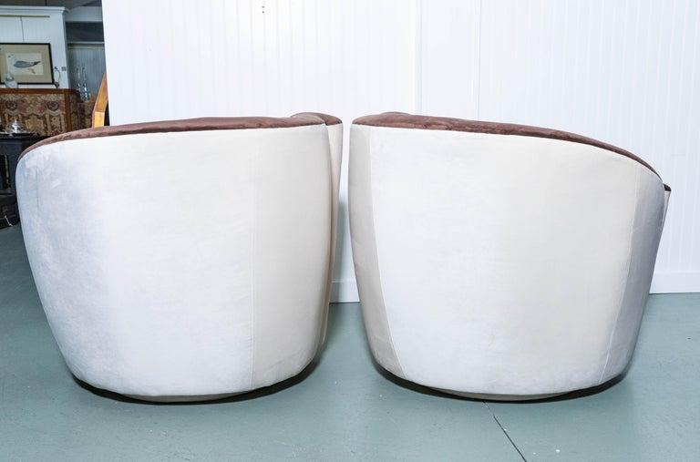 20th Century Pair of Midcentury Vladimir Kagan Nautilus Swivel Chairs For Sale