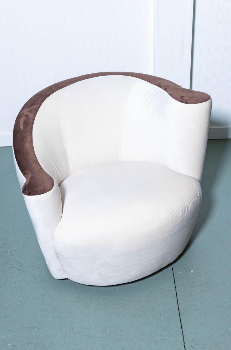 Pair of Midcentury Vladimir Kagan Nautilus Swivel Chairs For Sale 2