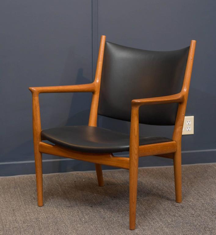 Scandinavian Modern Hans J Wegner Lounge Chair For Sale