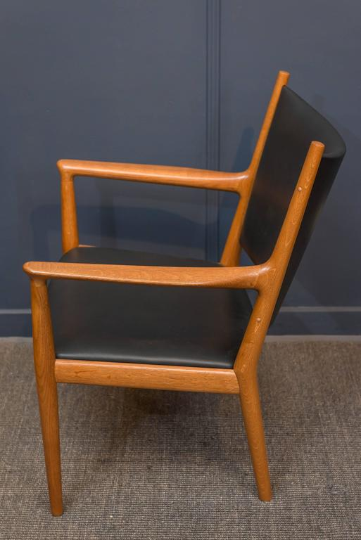 Hans J Wegner Lounge Chair In Excellent Condition For Sale In San Francisco, CA