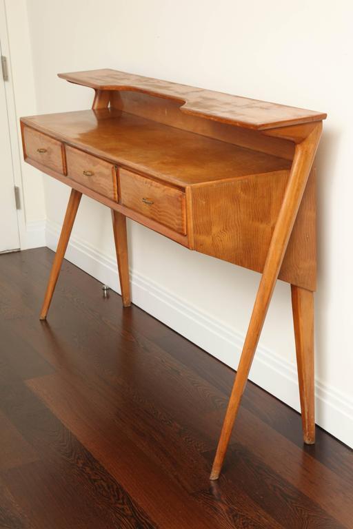 Italian Mid-Century Modern Cherrywood Console Table In Excellent Condition For Sale In New York, NY