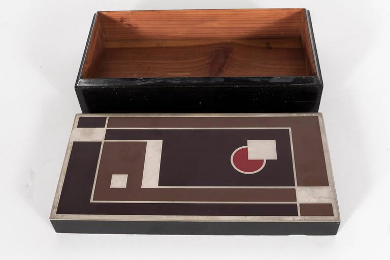 Important Art Deco Enamel and Chrome Box Fitted Camera by Walter Dorwin Teague 4
