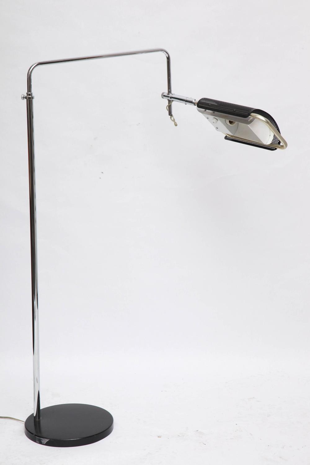 1970s Articulated Floor Lamp By Robert Sonneman For Sale