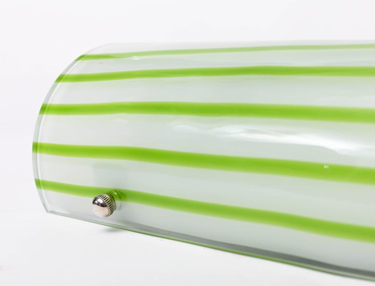 Pair of Green and White Striped Murano Glass Sconces by Salviati In Excellent Condition For Sale In Bridgehampton, NY