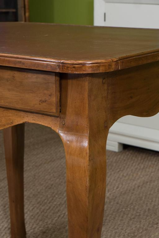 French Louis XV Style Writing Table For Sale 1