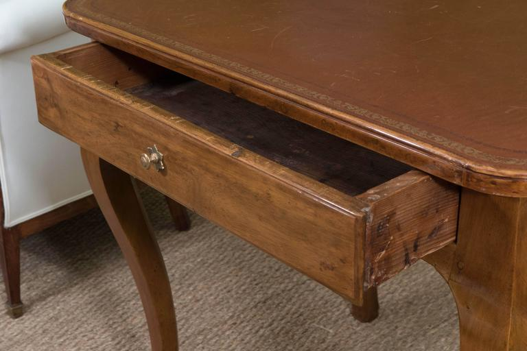 French Louis XV Style Writing Table For Sale 5