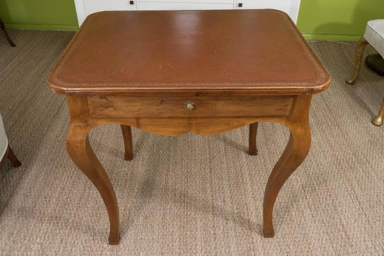 French Louis XV Style Writing Table For Sale 6