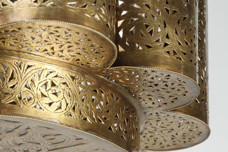 Large Pierced Brass Moroccan Chandelier in Alberto Pinto Style  4
