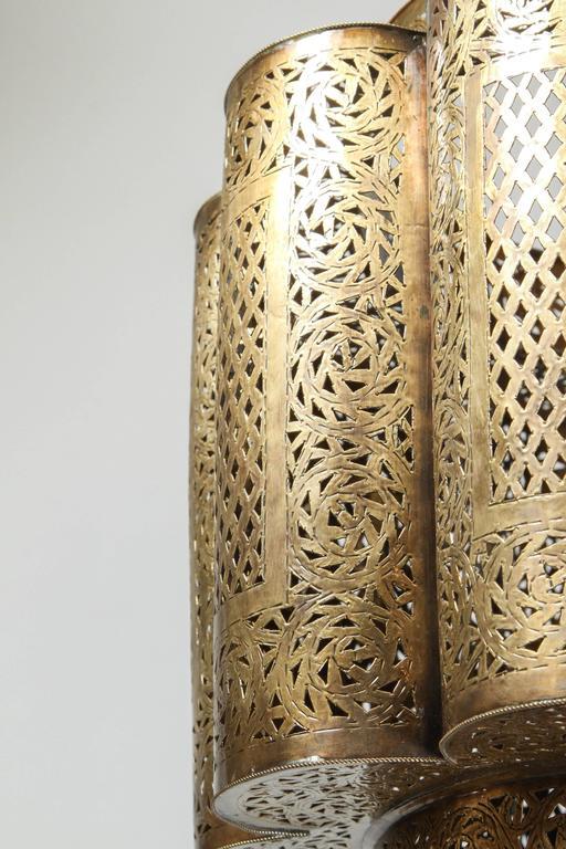 Large Pierced Brass Moroccan Chandelier in Alberto Pinto Style  5