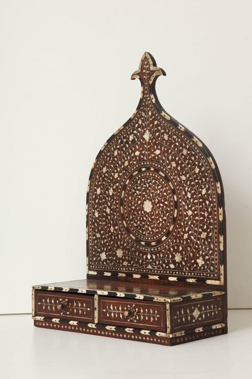 Mid-19th Century Anglo-Indian Turban Stand 2