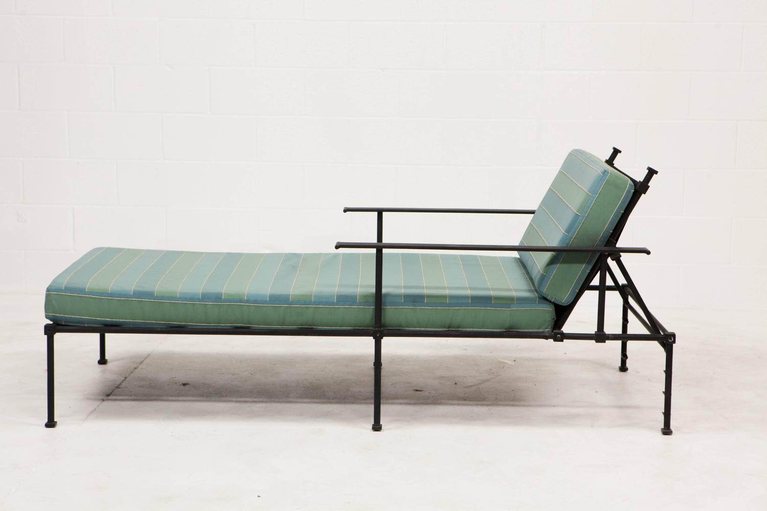 Outdoor vintage chaise lounges at 1stdibs for Garden chaise longue
