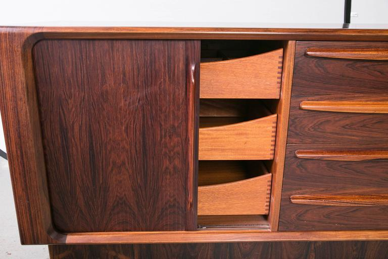 Danish Modern Rosewood Credenza by Dyrlund for Maurice Villency In Excellent Condition For Sale In Mt Kisco, NY